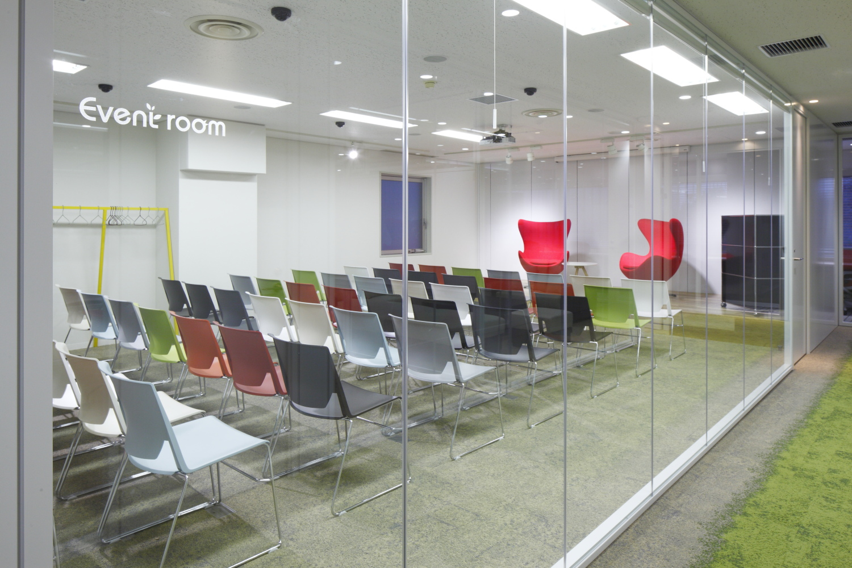 シェアオフィスのイベントルーム10