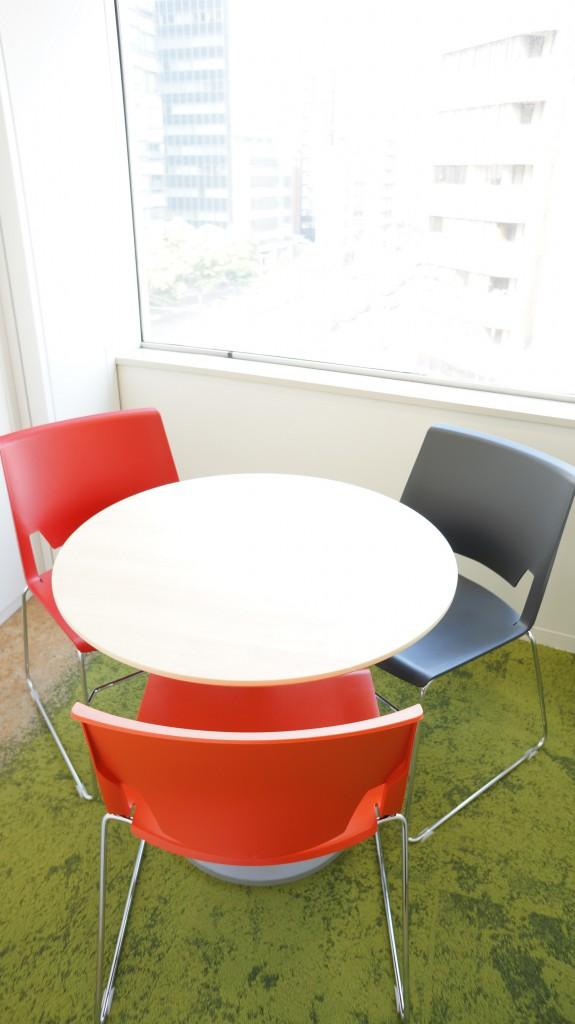 シェアオフィスの会議室